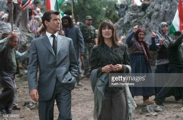 Irish actor Pierce Brosnan stars as 007 opposite French actress Sophie Marceau as Elektra King in the James Bond film 'The World Is Not Enough' 1999...