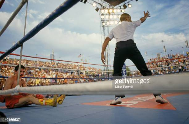 Irish boxer Barry McGuigan on the canvas during his defence of his WBA world featherweight title against Steve Cruz of the USA at Caesars Palace Las...