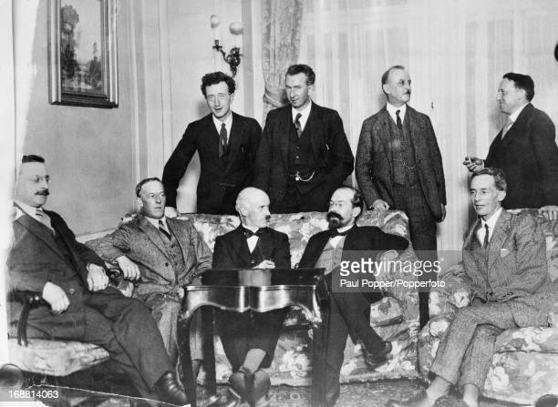 Irish delegates at the signing of the AngloIrish Treaty which led to establishment of the Irish Free State London 6th December 1921 Standing left to...