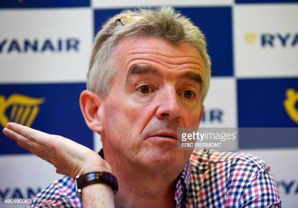 Irish lowcost carrier Ryanair Chief Executive Officer Michael O'Leary gestures during a press conference in Paris on September 29 2015 AFP PHOTO /...