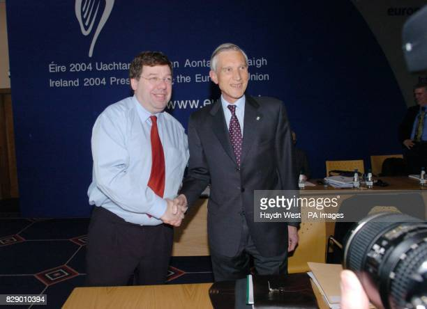 Irish Minster for Foreign Affairs Brian Cowen shakes hands with Netherlands Foreign Minister Bernard Bot during an Informal Meeting of Foreign...