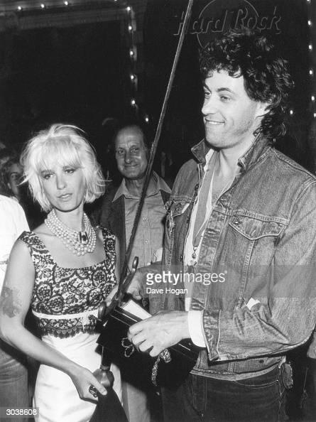 Irish singer Bob Geldof with his wife Paula Yates circa 1986