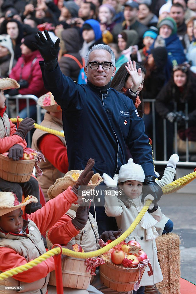 Iron Chef Geoffrey Zakarian attends the 86th Annual Macy's Thanksgiving Day Parade on November 22, 2012 in New York City.