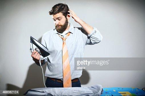 アイロンサービスは男性の仕事です。