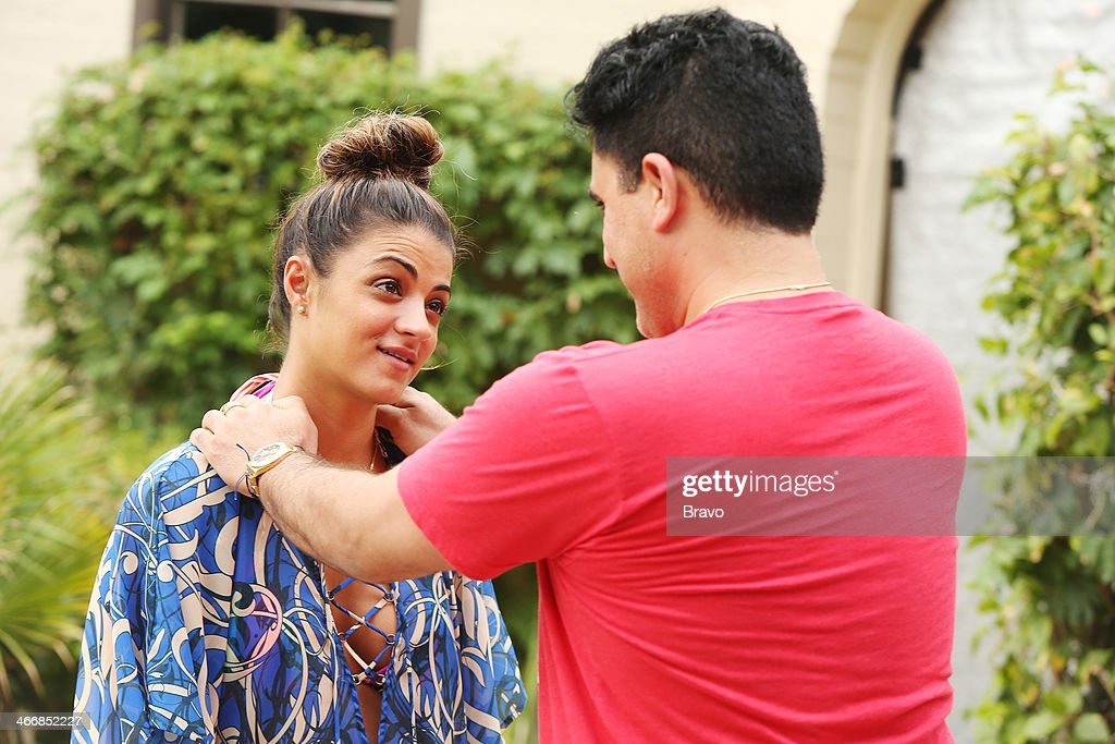 SUNSET -- 'Is This 40?' Episode 314 -- Pictured: (l-r) Golnesa 'GG' Gharachedaghi, <a gi-track='captionPersonalityLinkClicked' href=/galleries/search?phrase=Reza+Farahan&family=editorial&specificpeople=9012581 ng-click='$event.stopPropagation()'>Reza Farahan</a> --