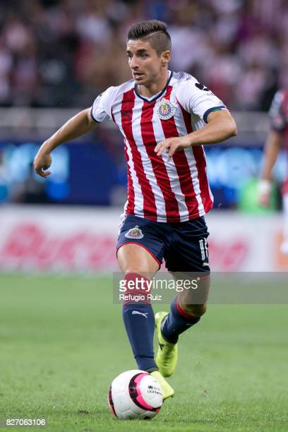 Isaac Brizuela of Chivas drives the ball during the third round match between Chivas and Necaxa as part of the Torneo Apertura 2017 Liga MX at Chivas...
