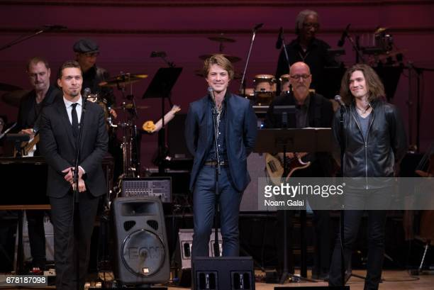 Isaac Hanson Taylor Hanson and Zac Hanson of the band Hanson perform during a tribute concert honoring Jimmy Webb at Carnegie Hall on May 3 2017 in...