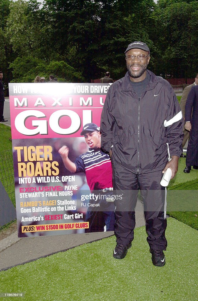 """Launch Party for Maximum Golf Magazine celebrates with """"100-Foot Putt for $1"""