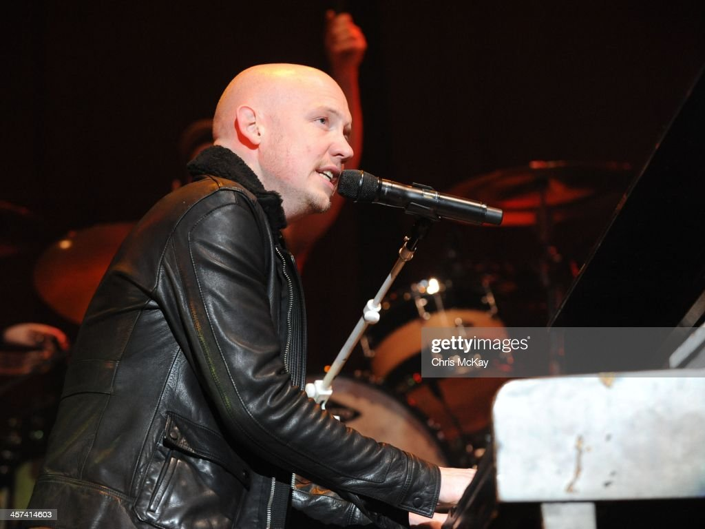 Isaac Slade of The Fray performs during the 2013 Star 94 Jingle Jam at Arena at Gwinnett Center on December 16, 2013 in Duluth, Georgia.