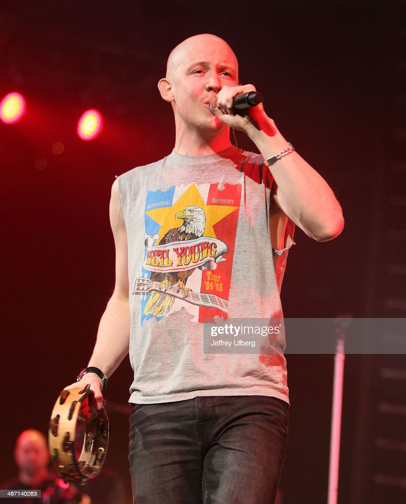 <a gi-track='captionPersonalityLinkClicked' href=/galleries/search?phrase=Isaac+Slade&family=editorial&specificpeople=537604 ng-click='$event.stopPropagation()'>Isaac Slade</a> of The Fray performs during the Amnesty International 'Bringing Human Rights Home' Concert>> at the Barclays Center on February 5, 2014 in the Brooklyn borough of New York City.