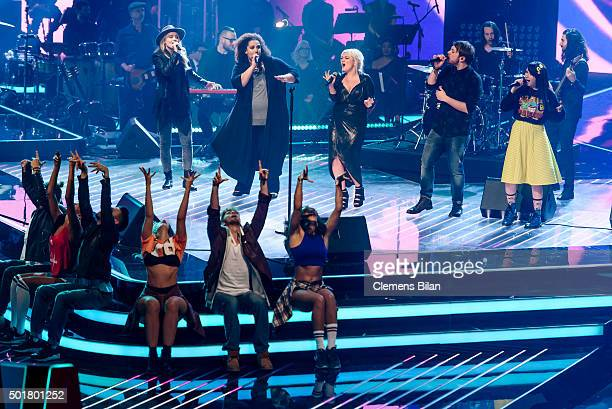 Isabel Ment Tiffany Kemp Elle King Ayke Witt and JamieLee Kriewitz attend the TV show 'The Voice Of Germany Finals' on December 17 2015 in Berlin...