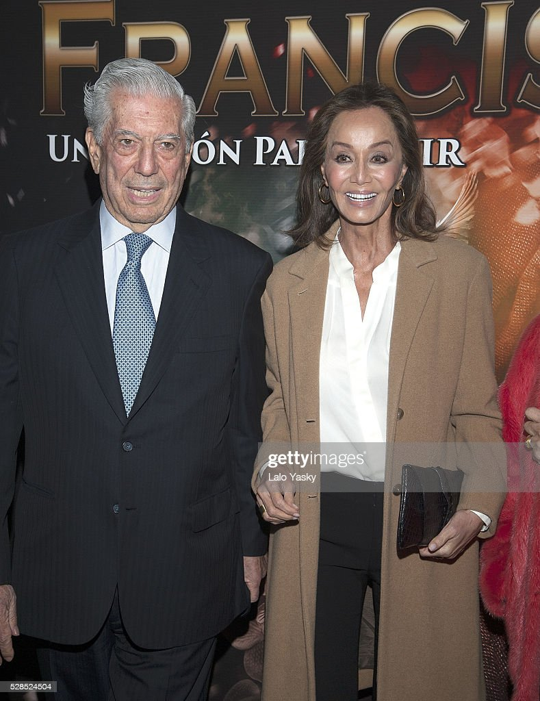 Isabel Presyler and Mario Vargas Llosa arrive to the Broadway Theatre to see the musical 'Franciscus' on May 5, 2016 in Buenos Aires, Argentina.
