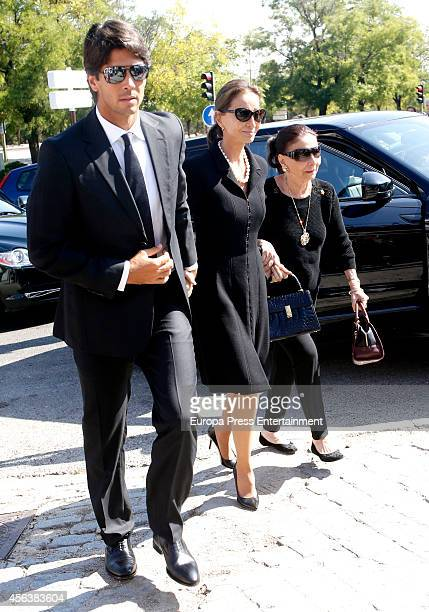 Isabel Preysler and Fernando Verdasco attend the funeral for Miguel Boyer at San Isidro Graveyard on September 30 2014 in Madrid Spain Spanish...