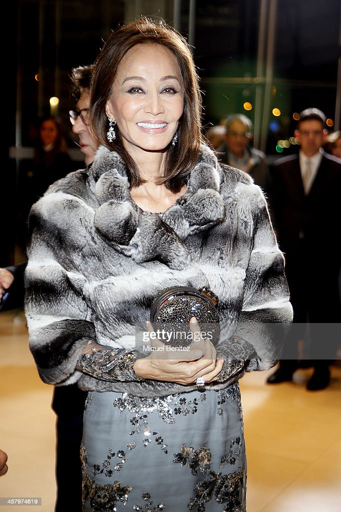 <a gi-track='captionPersonalityLinkClicked' href=/galleries/search?phrase=Isabel+Preysler&family=editorial&specificpeople=228933 ng-click='$event.stopPropagation()'>Isabel Preysler</a> attends the Re Opening of a Porcelanosa store on December 19, 2013 in L'Hospitalet, Barcelona, Spain.