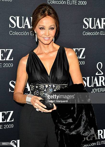 Isabel Preysler attends the Suarez 'Elite by you 2009' photocall at the Theater Liceu on November 12 2009 in Barcelona Spain