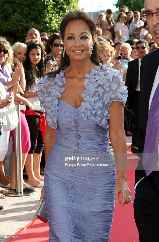 <a gi-track='captionPersonalityLinkClicked' href=/galleries/search?phrase=Isabel+Preysler&family=editorial&specificpeople=228933 ng-click='$event.stopPropagation()'>Isabel Preysler</a> attends the wedding of Manuel Colonques, son of the president of Porcelanosa company, and Cristina Babiloni on June 11, 2010 in Castellon de la Plana, Spain.