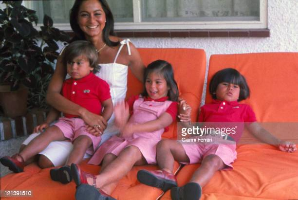 Isabel Preysler wife of Julio Iglesias at her home in Madrid with her three childrens Enrique Chaveli and Julio Jose Madrid Spain Photo by Gianni...