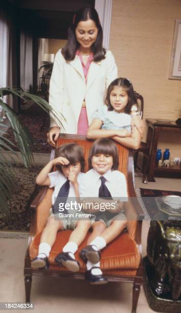 Isabel Preysler wife of Spanish singer Julio Iglesias with her three children Chaveli and Enrique and Julio Madrid Castilla La Mancha Spain