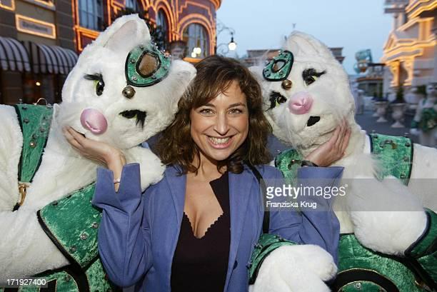 Isabel Varell Bei 'Wuze Town' Eröffnung Im Phantasialand