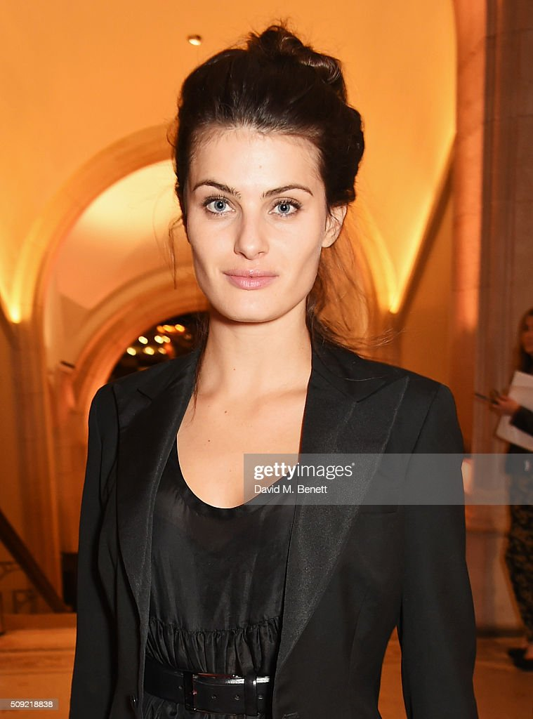 <a gi-track='captionPersonalityLinkClicked' href=/galleries/search?phrase=Isabeli+Fontana&family=editorial&specificpeople=220508 ng-click='$event.stopPropagation()'>Isabeli Fontana</a> attends a private view of 'Vogue 100: A Century of Style' hosted by Alexandra Shulman and Leon Max at the National Portrait Gallery on February 9, 2016 in London, England.