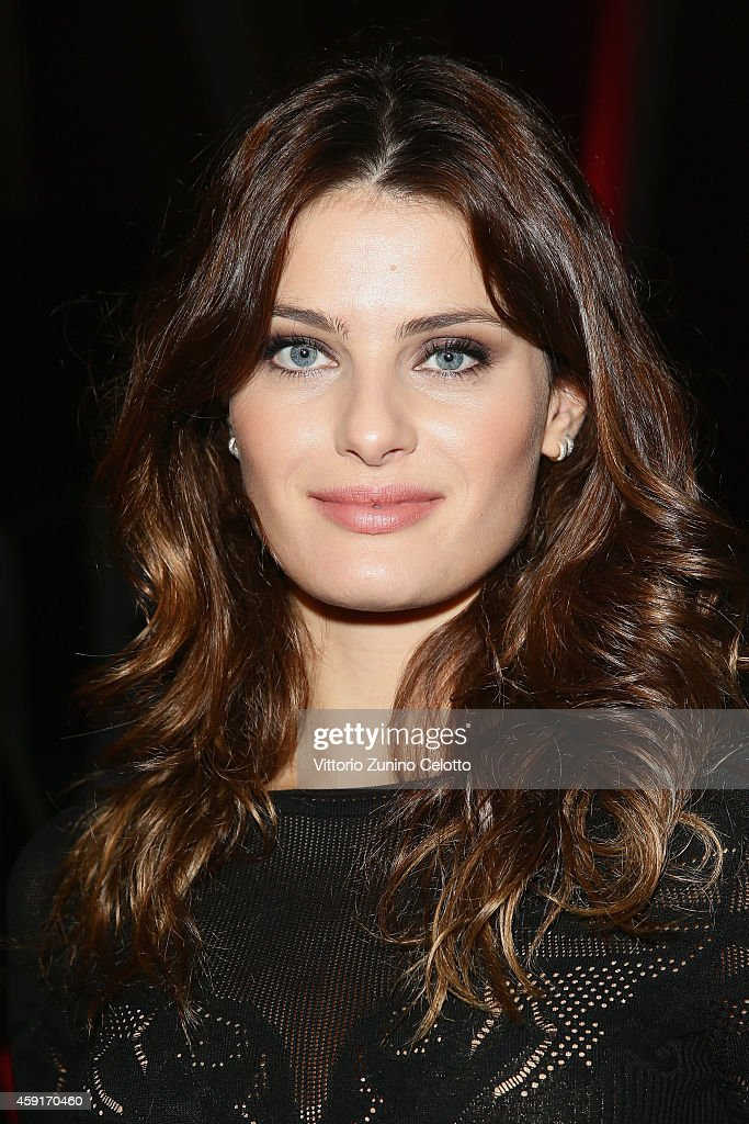 <a gi-track='captionPersonalityLinkClicked' href=/galleries/search?phrase=Isabeli+Fontana&family=editorial&specificpeople=220508 ng-click='$event.stopPropagation()'>Isabeli Fontana</a> attends the 2015 Pirelli Calendar Press Conference on November 18, 2014 in Milan, Italy.