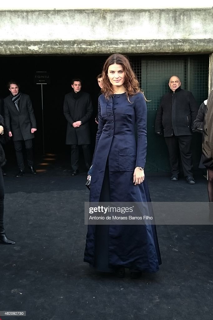 <a gi-track='captionPersonalityLinkClicked' href=/galleries/search?phrase=Isabeli+Fontana&family=editorial&specificpeople=220508 ng-click='$event.stopPropagation()'>Isabeli Fontana</a> attends the Dior Homme Menswear Fall/Winter 2015-2016 show as part of Paris Fashion Week on January 24, 2015 in Paris, France.