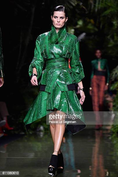 Isabeli Fontana walks the runway during the Balmain show as part of the Paris Fashion Week Womenswear Spring/Summer 2017 on September 29 2016 in...