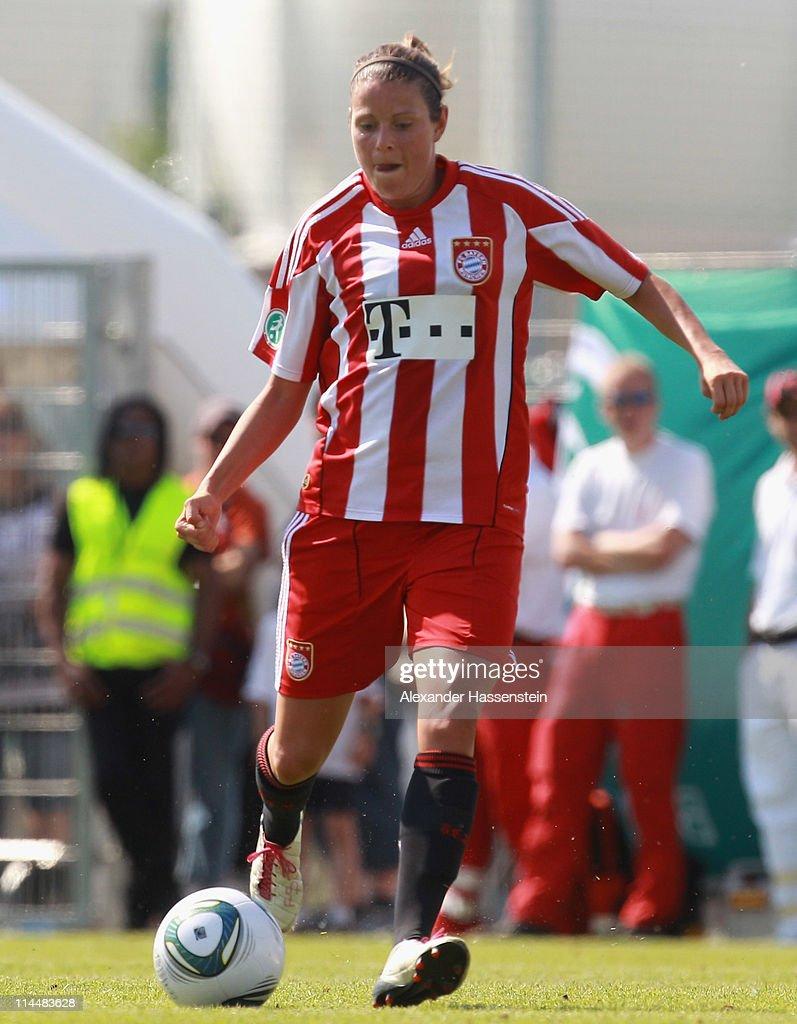 FC Bayern Muenchen v 1.FFC Turbine Potsdam - Women Bundesliga Cup 2011