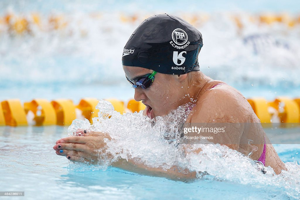 Isabella Bressan Fraioli competes in girls 100m breaststroke Junior 1 during Julio Delamare Trophy at Botafogo Aquatic Park on December 07, 2013 in Rio de Janeiro, Brazil.