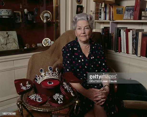 Isabelle De France Countess Of Paris At Home La comtesse de Paris posant dans son salon à côté de la couronne et de la parure de la reine MARIEAMELIE...