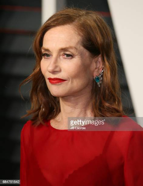 Isabelle Huppert attends the 2017 Vanity Fair Oscar Party hosted by Graydon Carter at Wallis Annenberg Center for the Performing Arts on February 26...