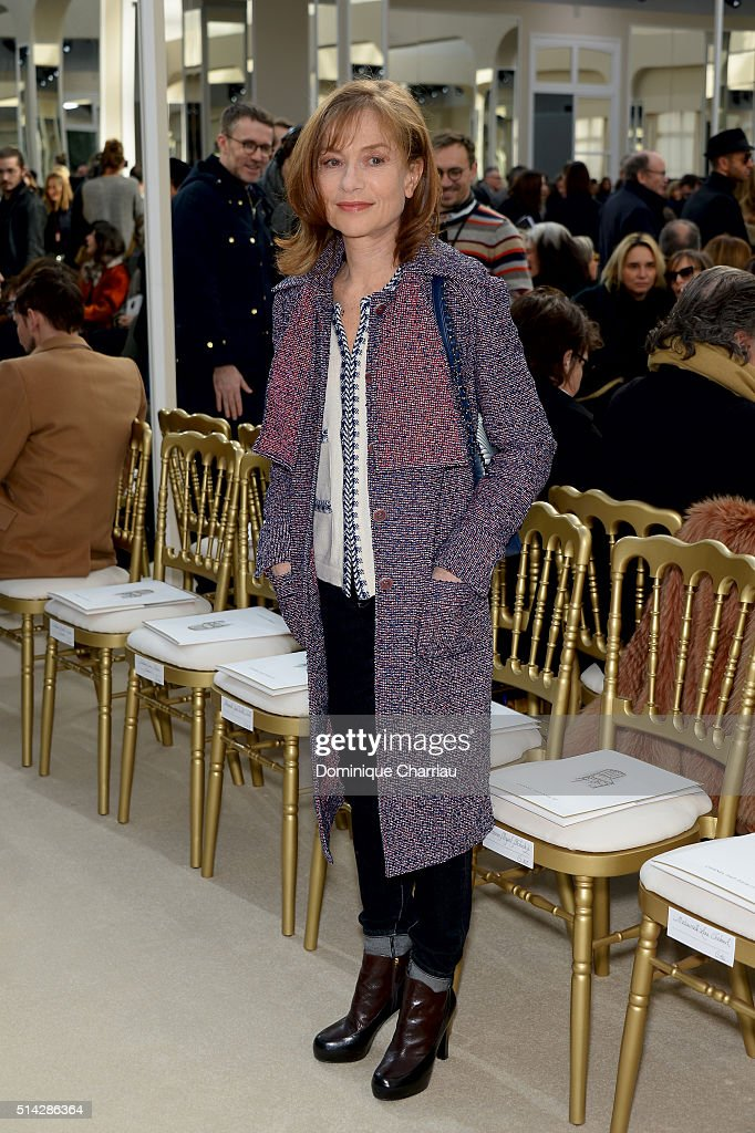<a gi-track='captionPersonalityLinkClicked' href=/galleries/search?phrase=Isabelle+Huppert&family=editorial&specificpeople=662796 ng-click='$event.stopPropagation()'>Isabelle Huppert</a> attends the Chanel show as part of the Paris Fashion Week Womenswear Fall/Winter 2016/2017 on March 8, 2016 in Paris, France.