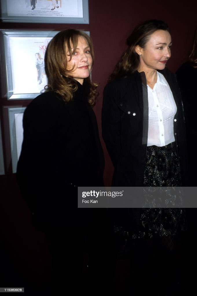 """""""Two Angry Sisters"""" Paris Premiere"""