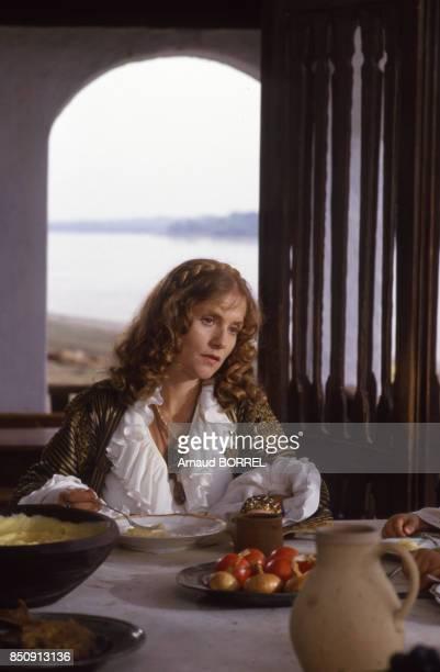 Isabelle Huppert lors du tournage du film 'Migration' en Yougoslavie en octobre 1987