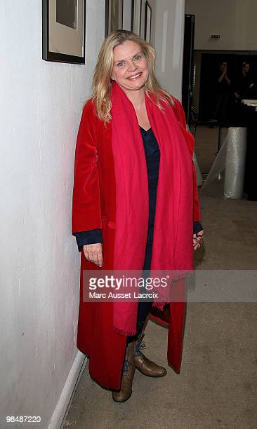 Isabelle Nanty attends the 'Les Doudous Enchantes' auction and party at Palais De Tokyo on April 15 2010 in Paris France