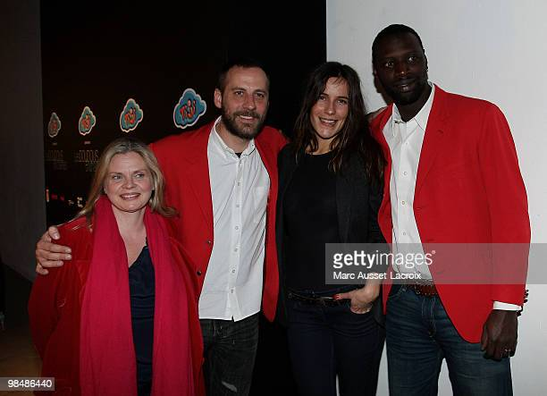 Isabelle Nanty Fred Testot Zoe Felix and Omar Sy attend the 'Les Doudous Enchantes' auction and party at Palais De Tokyo on April 15 2010 in Paris...