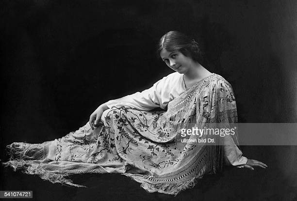 Isadora Duncan dancer USA around 1905