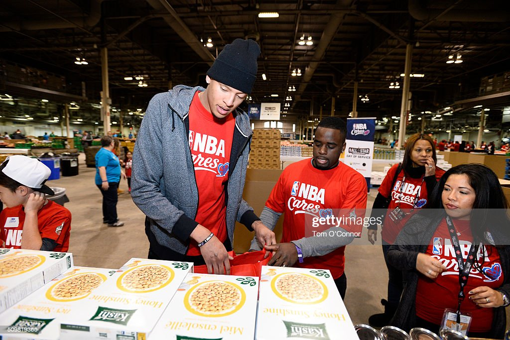 Isaiah Austin helps out during the NBA Cares AllStar Day of Service as part of 2016 AllStar Weekend at NBA Centre Court of the Enercare Centre on...