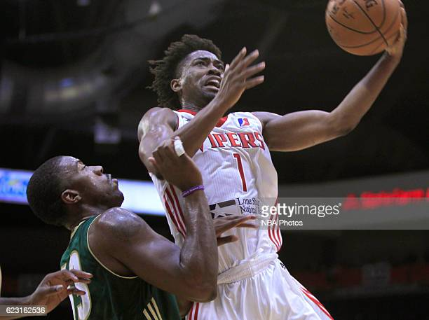 Isaiah Taylor of the Rio Grande Valley Vipers drives to the basket against the Reno Bighorns at the State Farm Arena on November 13 2016 in Hidalgo...