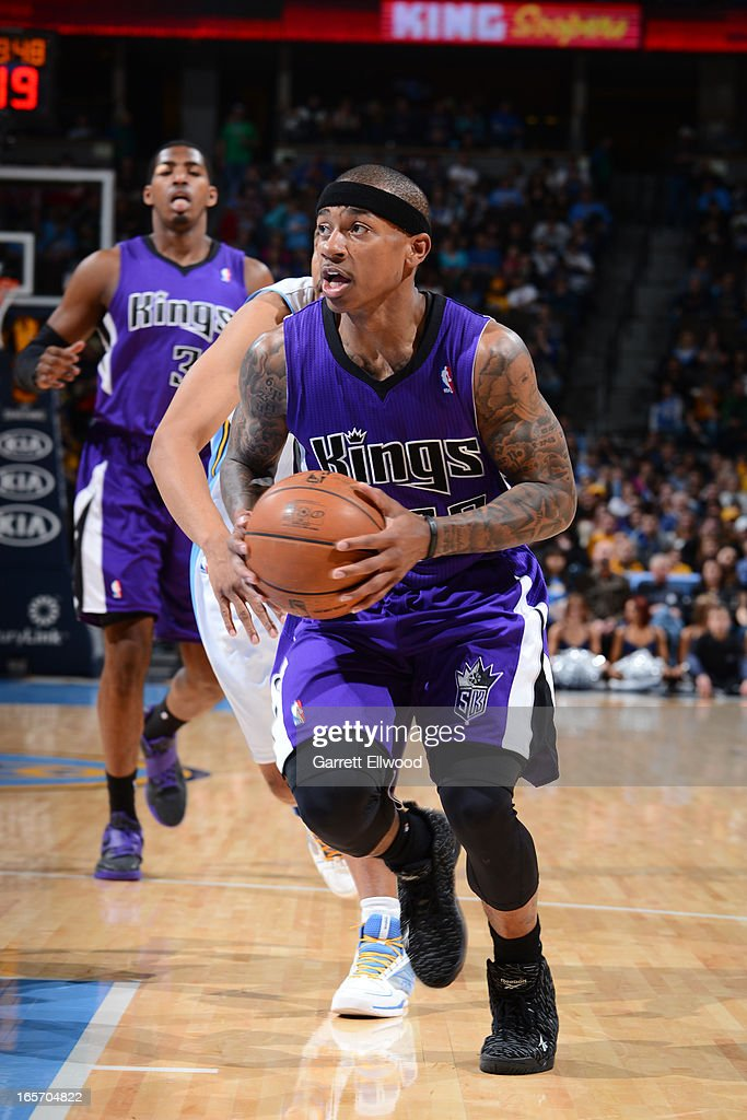Isaiah Thomas #22 of the Sacramento Kings drives to the basket against the Denver Nuggets on March 23, 2012 at the Pepsi Center in Denver, Colorado.