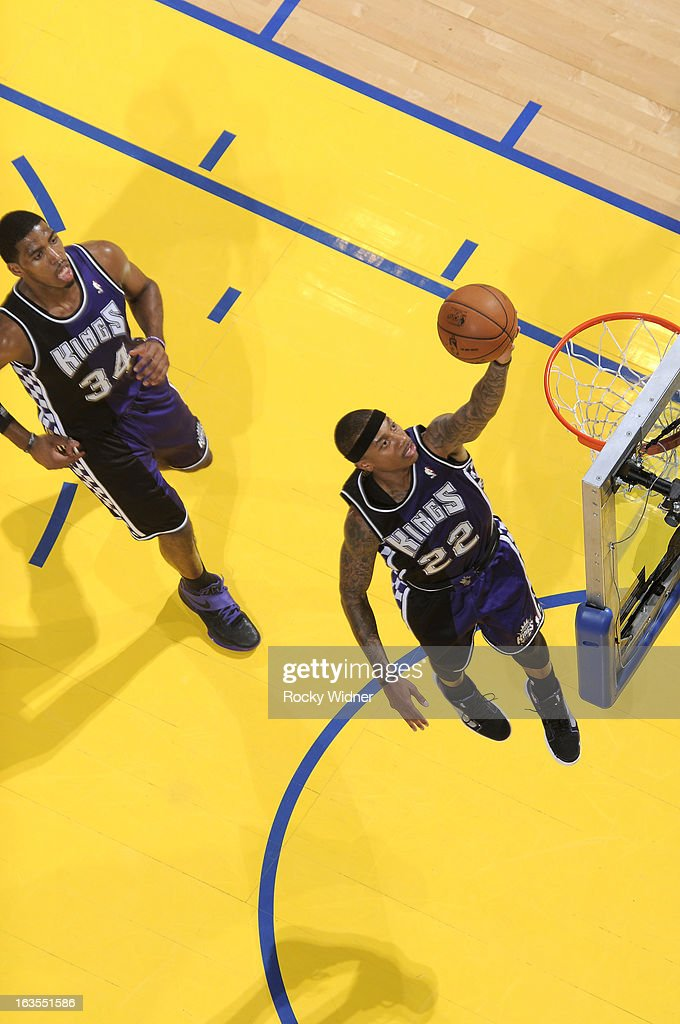 Isaiah Thomas #22 of the Sacramento Kings shoots against the Golden State Warriors on March 6, 2013 at Oracle Arena in Oakland, California.