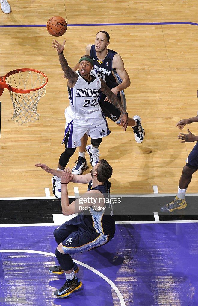 Isaiah Thomas #22 of the Sacramento Kings shoots against the Memphis Grizzlies on April 7, 2013 at Sleep Train Arena in Sacramento, California.