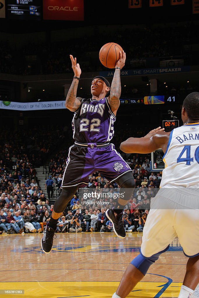 Isaiah Thomas #22 of the Sacramento Kings shoots in the lane against the Golden State Warriors on March 6, 2013 at Oracle Arena in Oakland, California.