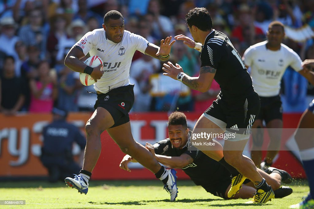 Isake Katonibau of Fiji breaks away to score a try during the 2016 Sydney Sevens cup semi final match between New Zealand and Fiji at Allianz Stadium on February 7, 2016 in Sydney, Australia.