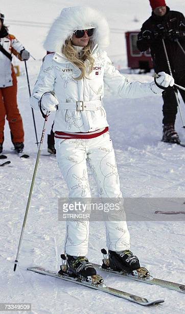US socialite and heiress to the Hilton hotel chain Paris Hilton skis down a slope 16 February 2007 in Ischgl western Austrian province of Tyrol...
