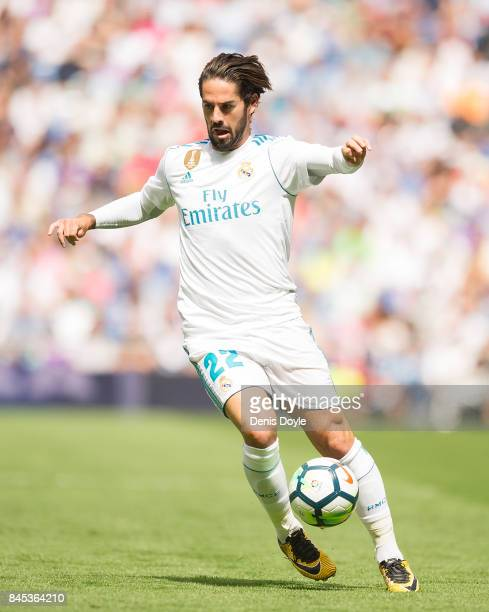 Isco Alarcon of Real Madrid CF controls the ball during the La Liga match between Real Madrid and Levante at Estadio Santiago Bernabeu on September 9...