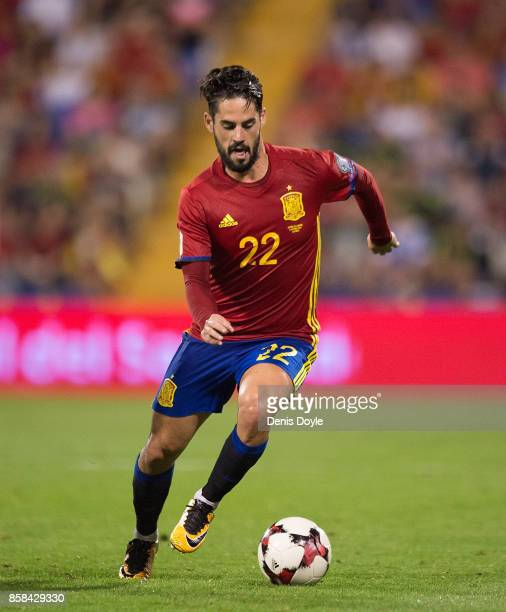 Isco Alarcon of Spain controls the ball during the FIFA 2018 World Cup Qualifier between Spain and Albania at Estadio Jose Rico Perez on October 6...
