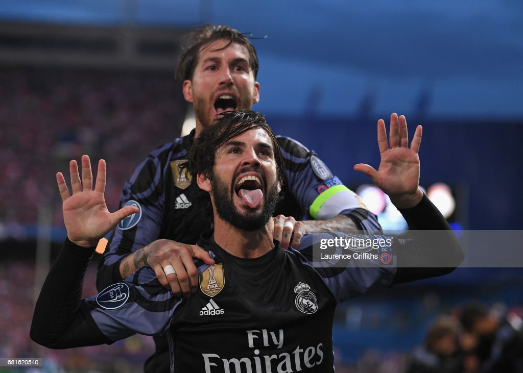Isco of Real Madrid celebrates scoring his team's opening goal with Sergio Ramos during the UEFA Champions League Semi Final second leg match between Club Atletico de Madrid and Real Madrid CF at Vicente Calderon Stadium on May 10, 2017 in Madrid, Spain.