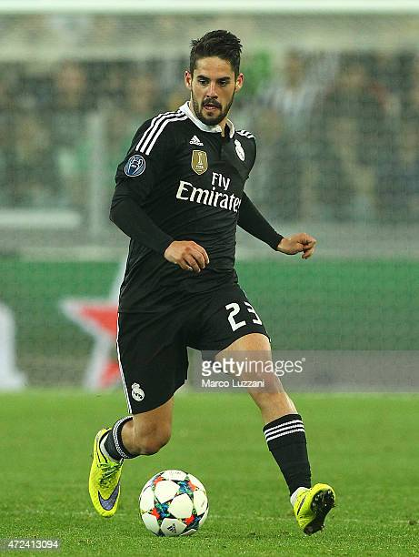Isco of Real Madrid CF in action during the UEFA Champions League semi final match between Juventus and Real Madrid CF at Juventus Arena on May 5...