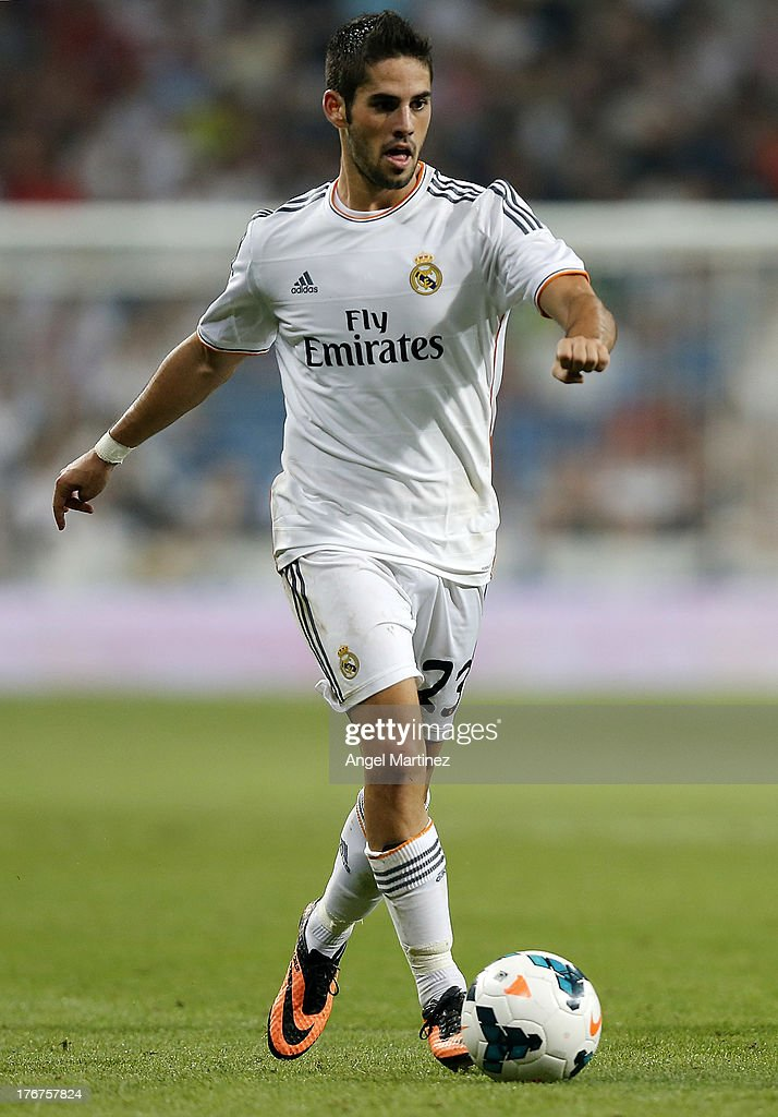 <a gi-track='captionPersonalityLinkClicked' href=/galleries/search?phrase=Isco&family=editorial&specificpeople=5848609 ng-click='$event.stopPropagation()'>Isco</a> of Real Madrid in action during the La Liga match between Real Madrid CF and Real Betis at Estadio Santiago Bernabeu on August 18, 2013 in Madrid, Spain.